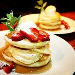 weekend brunch - strawberry buttermilk pancakes