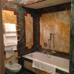 bathroom room 105