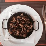 Huge portion of Garlic Mushrooms for starters