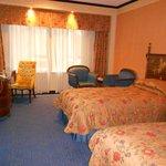 Lisboa Hotel Room