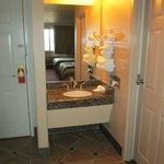 Eingang und Waschbecken