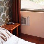 Klimaanlage hinterm Vorhang