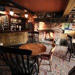 The Sun Inn at Hardingstone - Bar area