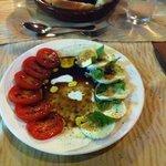 Der Klassiker: Tomaten mit Mozzarella