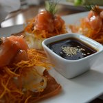 Tostadas de salmón tartar
