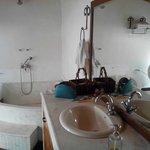 bathroom of deodar suite...