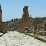 la strada colonnata