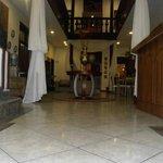HOTEL CUATRO MUNDOS