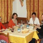 Beim Abendessen im Speisesaal