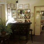 una vista parcial de uno de los salones comunes, un ambiente muy confortable y relajado