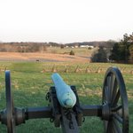 Federal cannon looking toward Confederate position