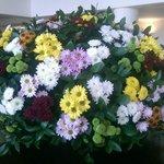 Blumenschmuck im Foyer