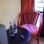 Table dans la chambre