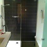 Crowne Plaza Liege bathroom
