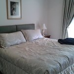 Lovely bright and well furnished room, very comfortable bed