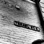 Thrawl street sign