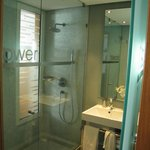 Shower doors - weird