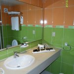 Superior bathroom - excellent