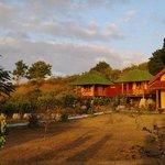 Yut's Inn Flower Paradise Gili Gede