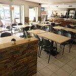 La salle brasserie/cafétéria