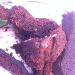 Gâteau moisi (peu visible sur la photo certes, mais présent!)