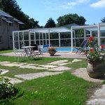 la piscine du Relais de Kergou***
