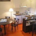 cuisine et coin repas d'un appartement