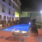 Muito bem cuidado o hotel tem uma bela piscina