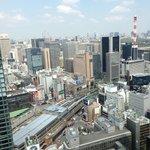 部屋から新橋駅方面の眺め