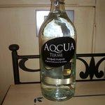 Bottiglia d'acqua di cortesia