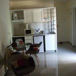 kitchenette/dining area