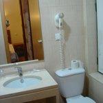 Baño (Habitación 310)