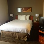 Newly Renovated!! New queen beds in every room!