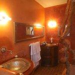 Gorgeous bathroom in Orange Suite