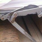 sofá-cama imposible cerrar oxidado y roto