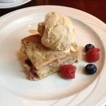Apple Bread Pudding w/cinnamon ice cream - AMAZING!
