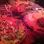 salade bleu et noix, confit de canard et purée aligot