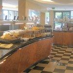 breakfast dining hall