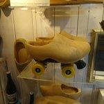roller-skate clogs
