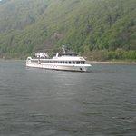 Boat trip on the rhine, less than 1 km away