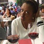 La famosa cuoca brasiliana Natalia Costa chef patronne dell'Oficina do Sabor di Milano
