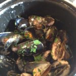 LOCH FYNE ROPE-GROWN MUSSELS, Marinières with white wine
