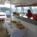 Le petit déjeuner à l'arrivée sur le bateau