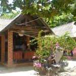 Le restaurant sur l'île de Koh Tan