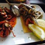 alici fritte con verdurine e calamari con zucchine