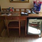 Desk & mini bar
