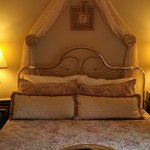 Queen for a Day in this Bed