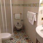 Room 438 shower room
