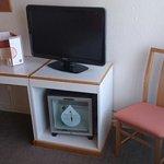 Tv et mini frigo