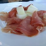 appetizer, melon and ham